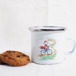 bicikliző róka fém bögre maRTás