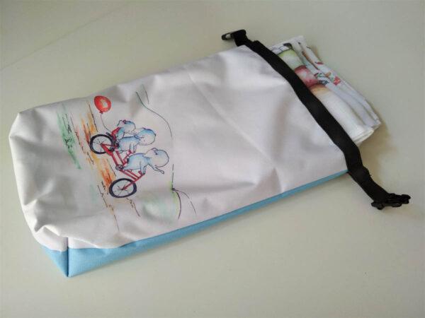 Uzsonna/ vizes ruha/ pelenka tárolására szolgáló vízhatlan zsák mARTás